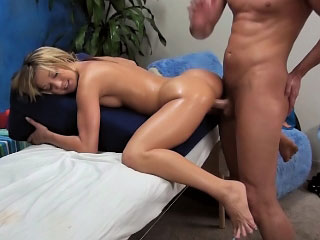 Blond hottie gets her taut ass filled with big cock