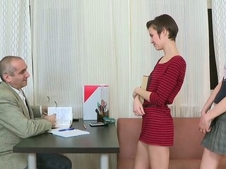 In order to pass her exam hottie is delighting her teacher's weenie