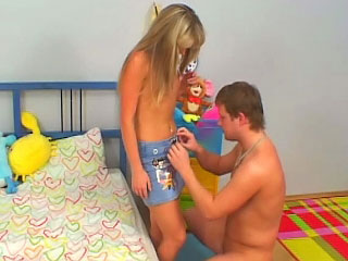Amazing blonde teenie suckes and receives screwed by old guy